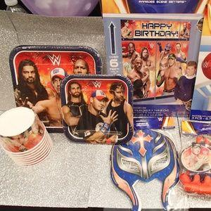 Birthday Party WWF Basic Decoration Kit (8PCS)